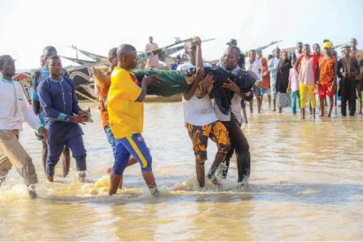 Dozens of passengers drown in Niger State Nigeria through boat mishap.